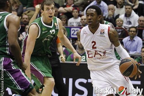 """Euroleague - L'Olimpia a caccia della quarta vittoria in top16, per Banchi ci vuole """"determinazione"""""""