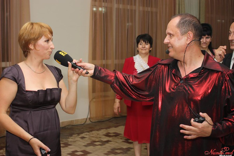 """Moderator si interpret Valeri Lincovschi cu echipa  """"RetroModern"""". > Foto din galeria `NUNTA`"""
