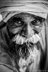 Sadhu - Black White