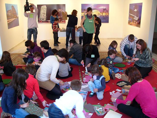 ART EN FAMÍLIA. L'art dins una capsa-conte, 15 de març 2015