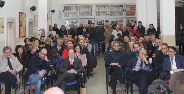 In prima fila il prof. Resta, il prof Leogrande, il dirigente De Marinis, l'assessore Valenzano e tanti altri