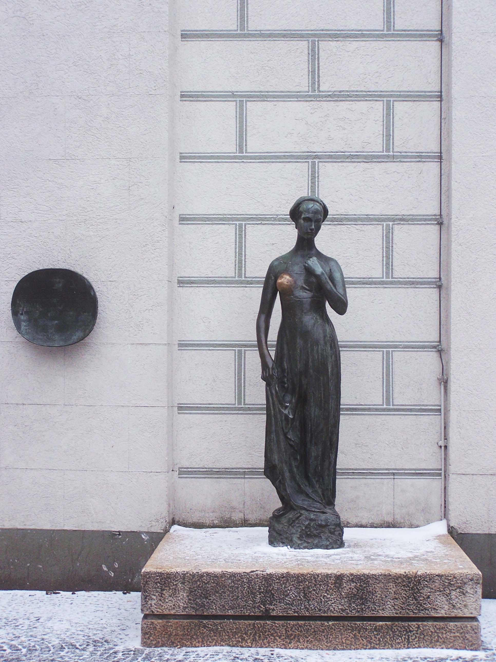 Julia-Statue in München, 1974