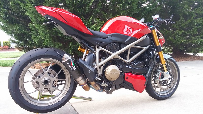 shift-tech carbon hugger installed - ducati.ms - the ultimate