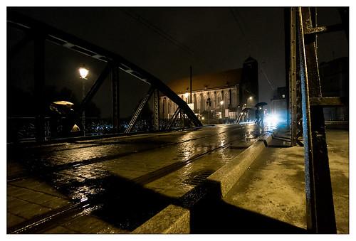 Wroclaw by night (and rain): the Mosty Młyńskie
