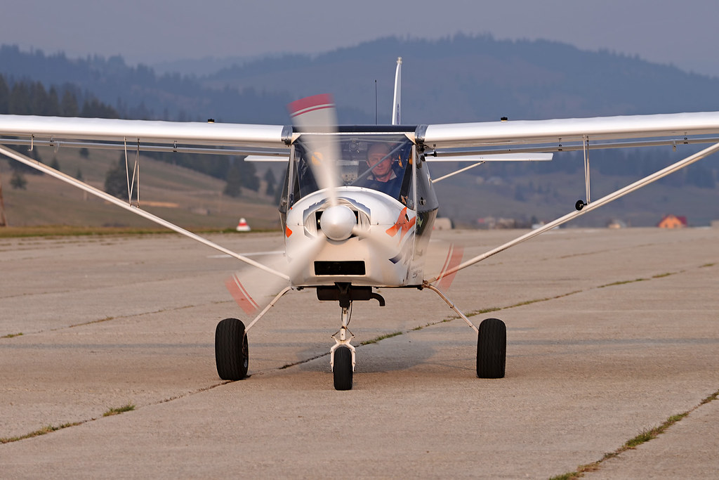 Suceava, Vatra Dornei - Aerodromul Floreni (LRFL) - Pagina 8 8731981427_e18f4e079f_b