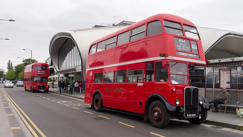 RT2177 outside Slough Bus Station on Slough Running Day 2013