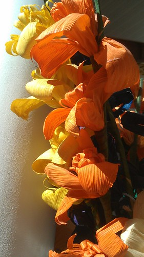 Fake flowers made of corn husks by christopher575