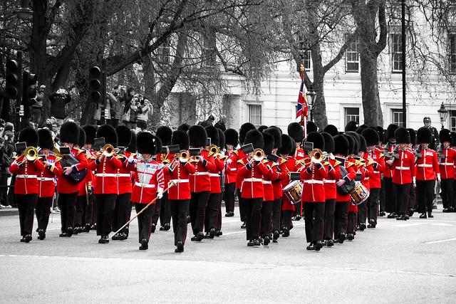 Londres - La relève de la Garde
