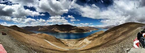 Yamzho Yumco Lake
