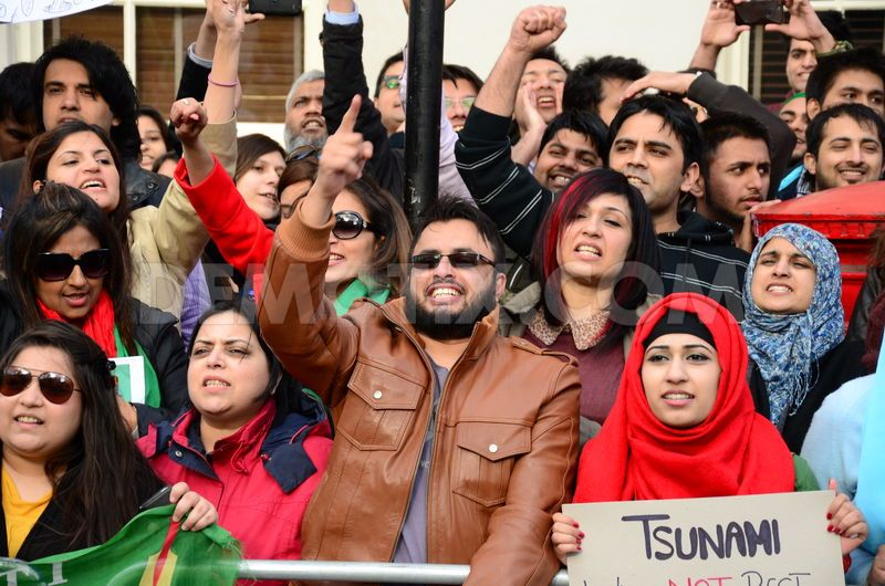 2013-05-13 Pakistanis protest in London alleging rigged elections in Karachi 5