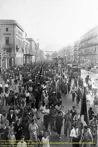 Barcelona, 1934-1938, la guerra fotografiada por Agustí Centelles. by Octavi Centelles