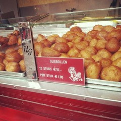 Real olie bollen has no raisins!