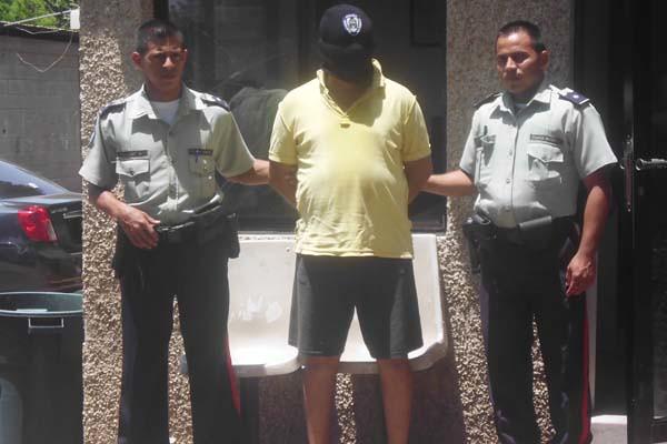 violador detenido por Polisur