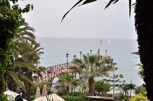 Vista del muelle y la playa desde el complejo Hotel Marbella Club, #experiencia de lujo en la Costa del Sol - 8740688881 057d88465a z - Hotel Marbella Club, #experiencia de lujo en la Costa del Sol