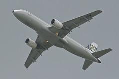 Aer Lingus Airbus A320-214; EI-DVM@LHR;13.05.2013/708be