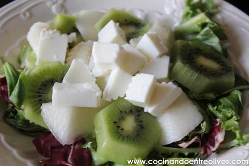 Ensalada con fruta y queso Burgo de Arias www.cocinandoentreolivos (5)