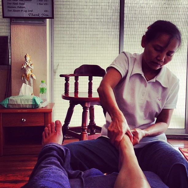 Allez hop un dernier foot massage...