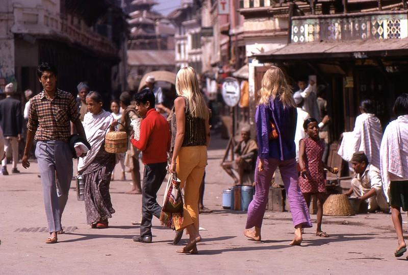 Hippi Chicks, Kathmandu 1969