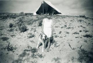 Maroc, plage, 20 juillet 1947. Jean, 7 ans.