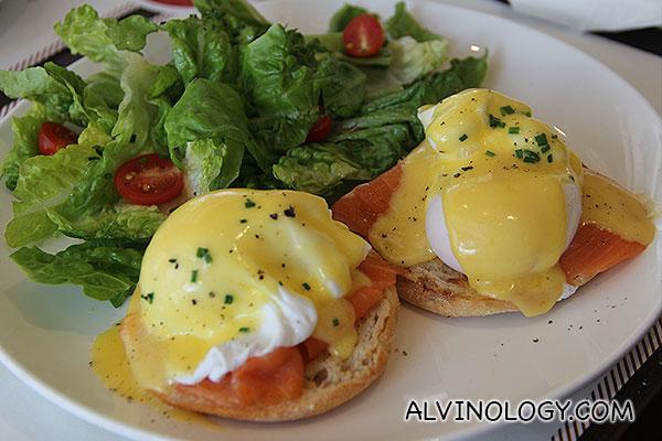 Eggs with smoked salmon for Rachel
