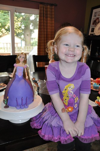 Hadley and her birthday cake