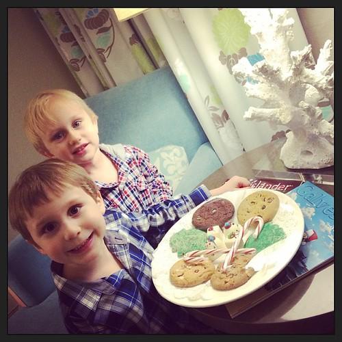 Moody Gardens Hotel left us Christmas cookies!  #cookieLOVE