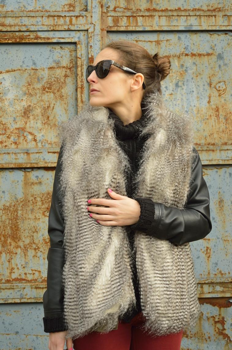 lara-vazquez-madlula-blog-faux-fur-vest