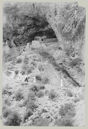 Cliff dweller site