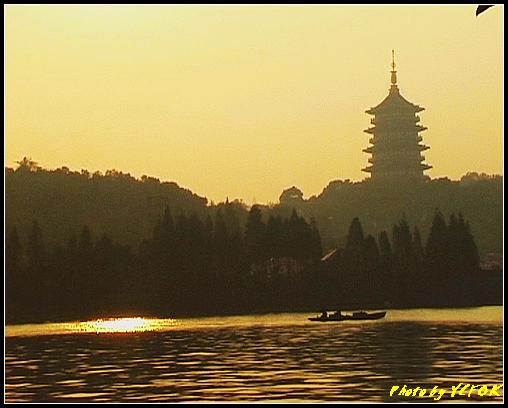 杭州 西湖 (其他景點) - 546 (西湖十景之 柳浪聞鶯 在這裡準備觀看 西湖十景的雷峰夕照 (雷峰塔日落景致)