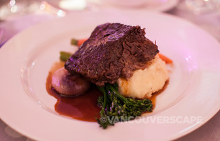 Slow-cooked short rib, Pemberton potato, cippolini, Cabernet reduction
