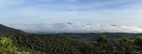 travel panorama mist clouds landscape asia outdoor hill srilanka ceylon blueskies mountainside southasia wideview hortonplains hortonplainsnationalpark
