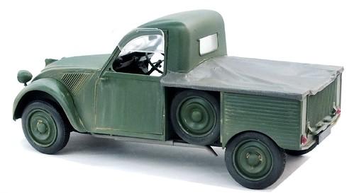Ebbro Citroën 2CV camionette (1)