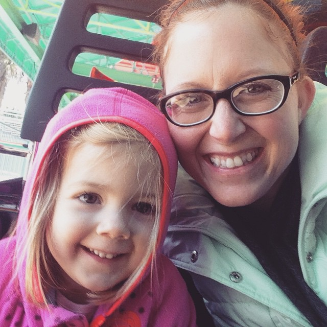 We had such a fun (and chilly) day seeing fish and sea lions and riding roller coasters! #kenleydee