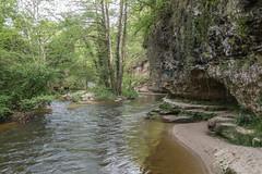 2016/05/05 16h56 grotte de la reine, château de Cazeneuve