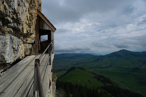 schweiz switzerland suisse hiking rangefinder trail appenzell wanderung wanderweg alpstein 21mm appenzellerland svizra 2013 messsucher ©toniv 130509 leicam9 superelmarm aescherwildkirchli wasserauenseealpseeebenalpwasserauen l1011936