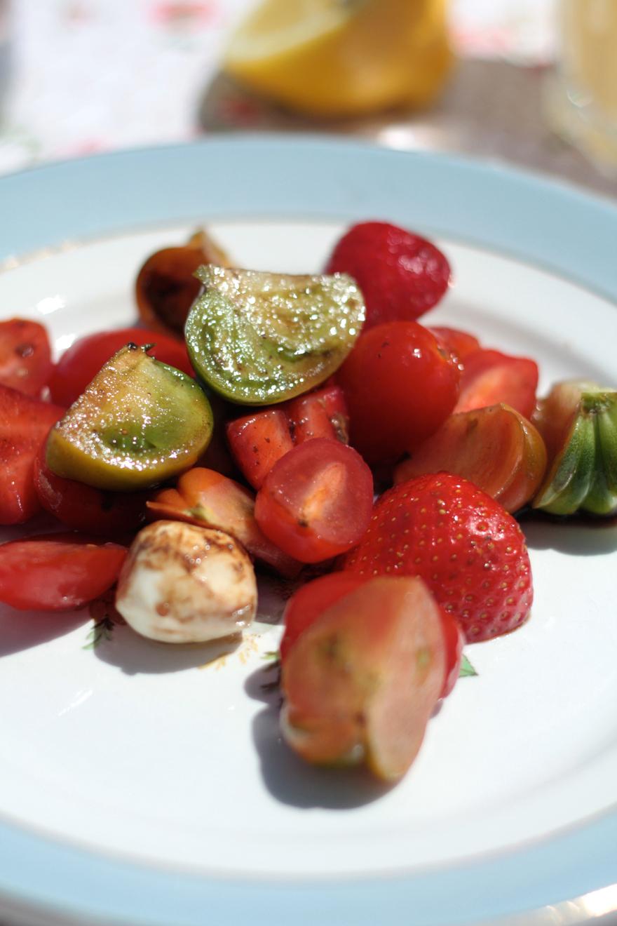 salade-tomate-fraise-basilic01