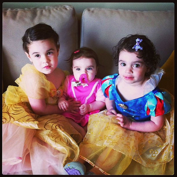 Belle, Aurora and Snow came to visit...