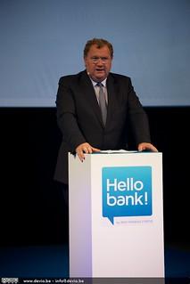 Peter Vandekerckhove opent de Pers conferentie