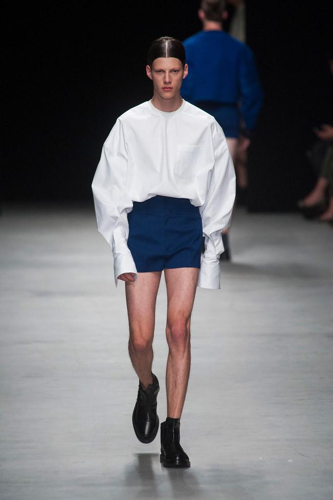 SS14 Paris Juun J.008_Nemanja Maksic(fashionising.com)