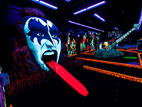KISS! Monster Mini-Golf