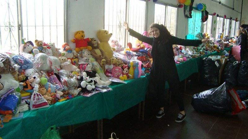 Rotaract Donacion Dia del Niño 2012 2