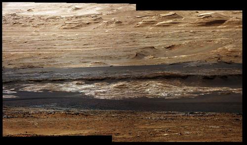 Curiosity sol 387 detail MastCam right