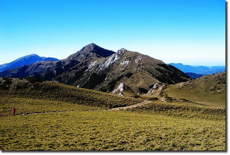 三叉山遠眺西南(關山、向陽、向陽北峰)