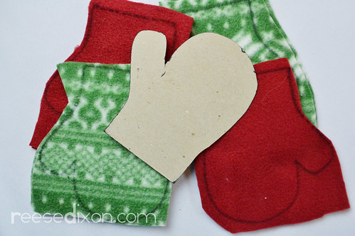 Pair of Mittens Ornament Tutorial Step 1