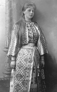 romanian-national-costume-4