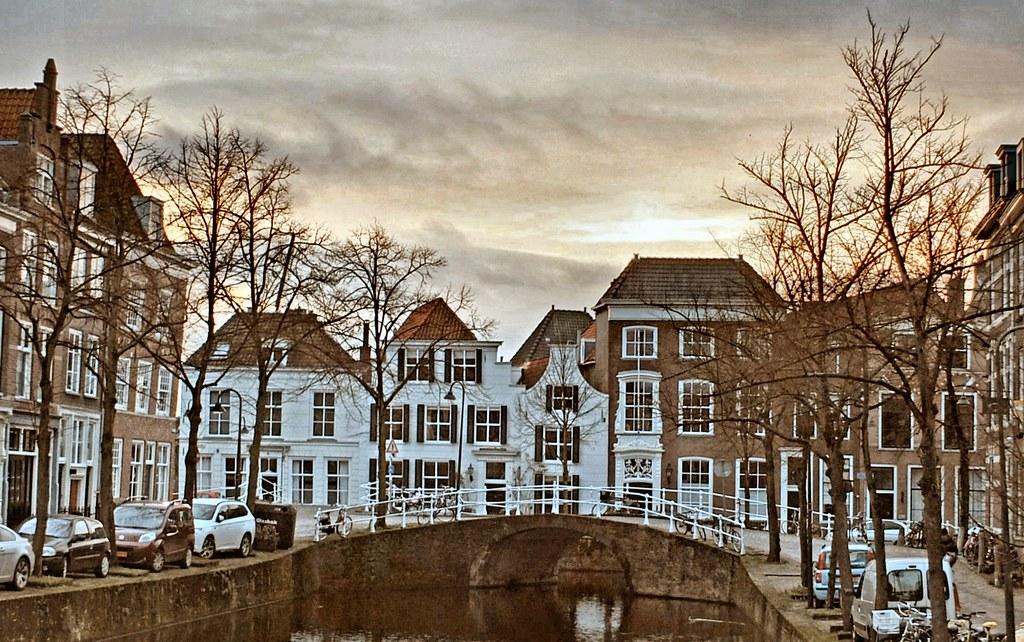 Kolk met uitzicht op Noordeinde Delft