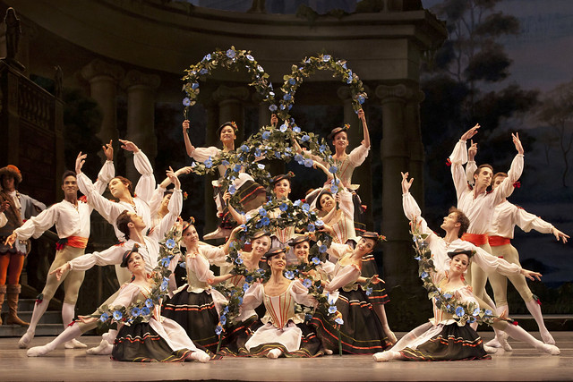 The Royal Ballet in the Garland Dance, Act I, The Sleeping Beauty, 2011 © ROH / Johan Persson, 2011