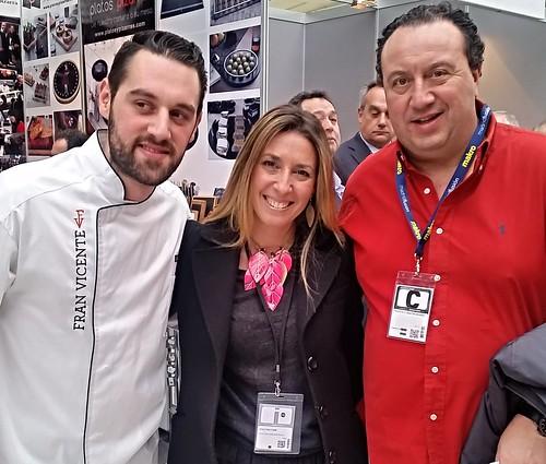 Representantes del Centro de innovación Gastronómica con los chefs Fran Vicente y Paco Sastre