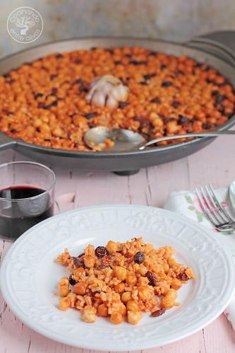 Arroz al horno con garbanzos y pasas www.cocinandoentreolivos.com (2)