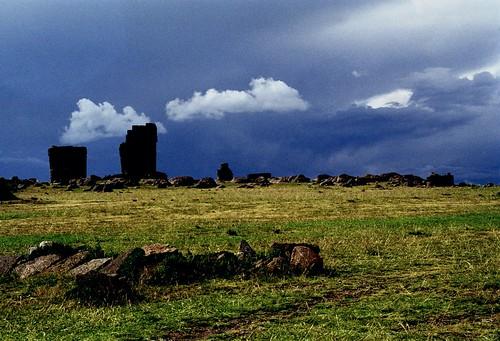 peru southamerica 35mm filmcamera om1 olympusom1 sillustani circa1998 funeraltowers nrpuno flickrandroidapp:filter=none ronstravelsite ronsspotuk